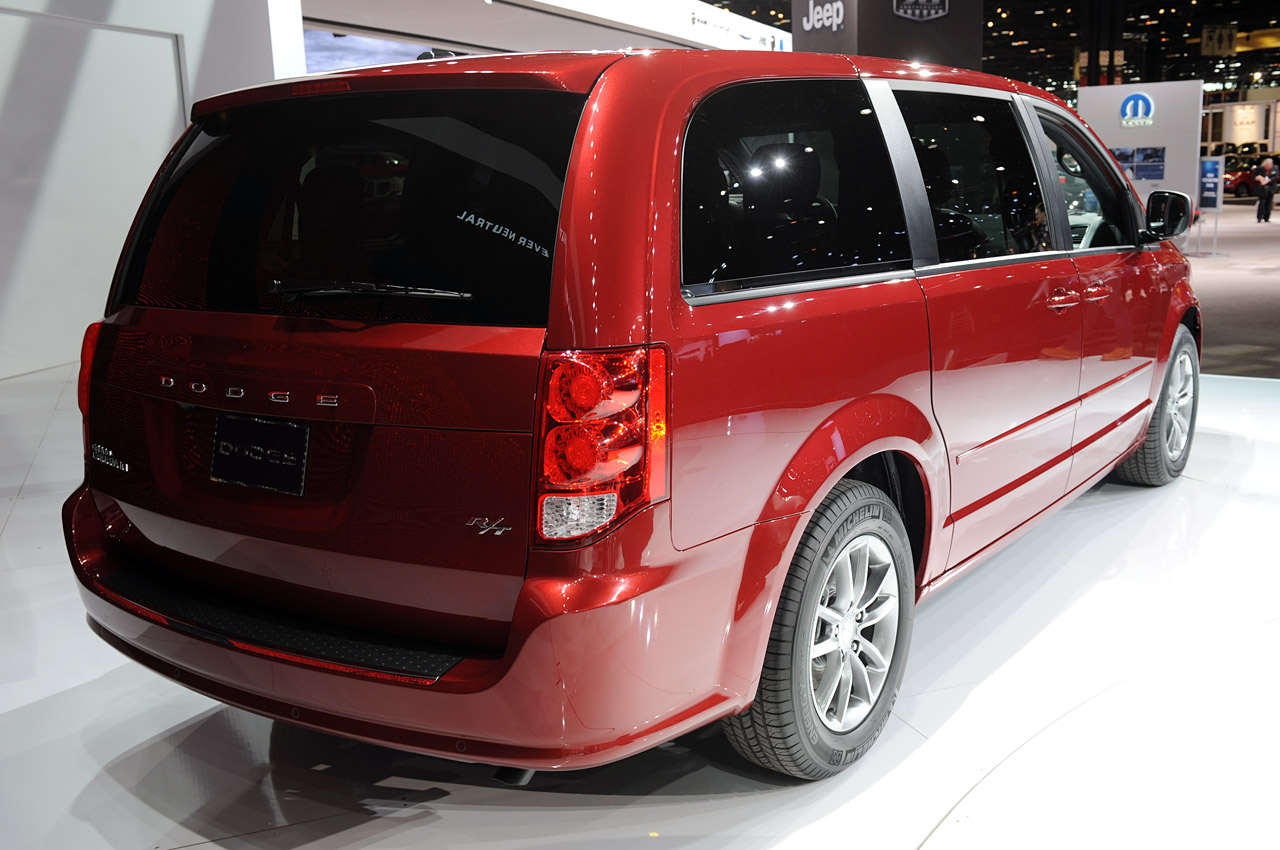 2011 dodge grand caravan r t chicago 2011 photo gallery autoblog. Cars Review. Best American Auto & Cars Review