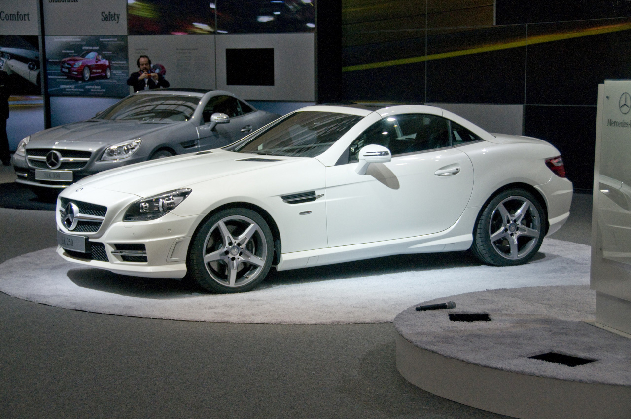 Image gallery 2012 mercedes slk for Mercedes benz slk brabus price