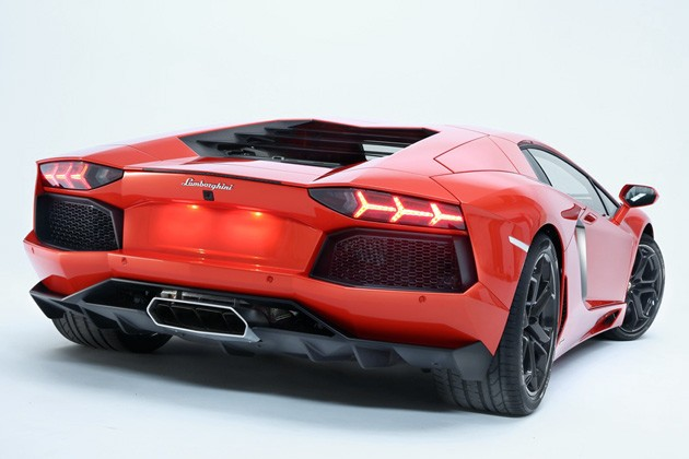 Lamborghini Aventador LP700-4 rear view