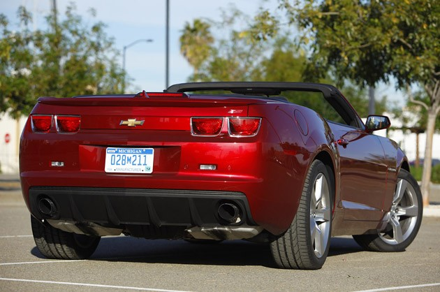 2011 Chevrolet Camaro Convertible rear 3/4 view