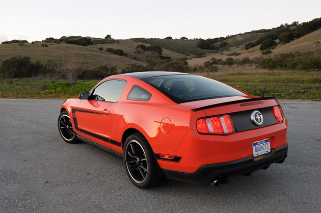 2012 Ford Mustang Boss 302 rear 3/4 view