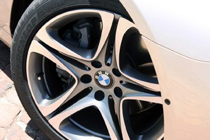 2012 BMW 6-Series Convertible wheel