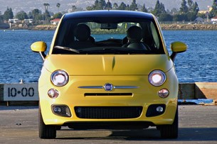 2012 Fiat 500 front view