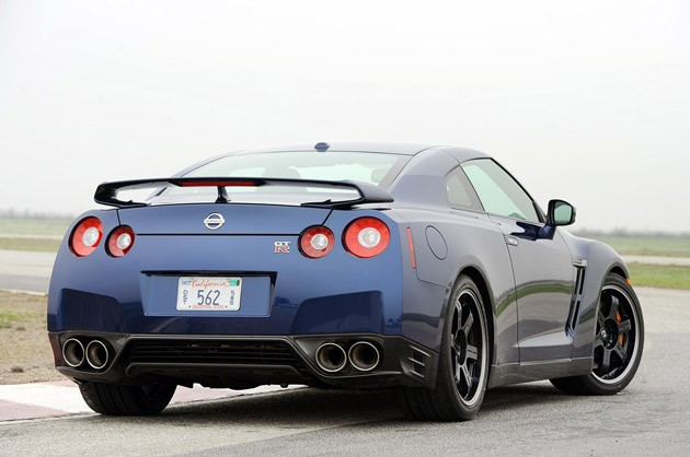 2012 Nissan GT-R rear 3/4 view