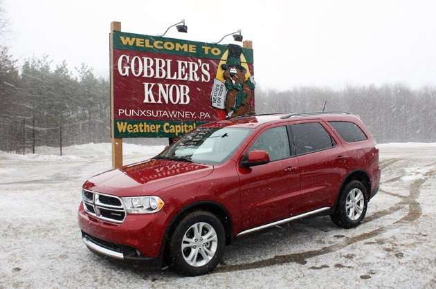 2011 Dodge Durango front 3/4 view
