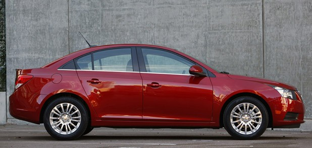 2011 Chevrolet Cruze Eco side view