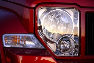 2010 Jeep Liberty Sport headlight