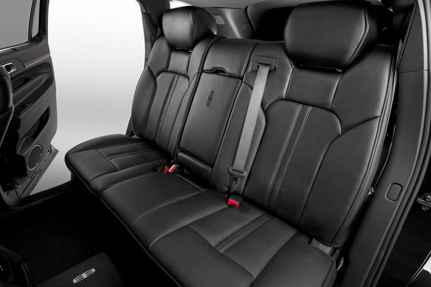 Lincoln MKT Town Car interior