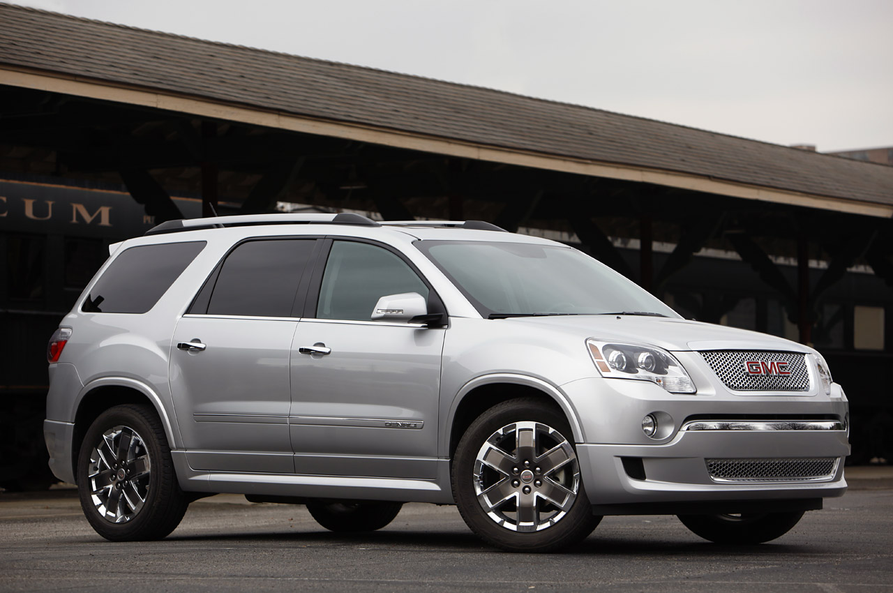 2011 gmc acadia denali first drive photo gallery autoblog. Black Bedroom Furniture Sets. Home Design Ideas