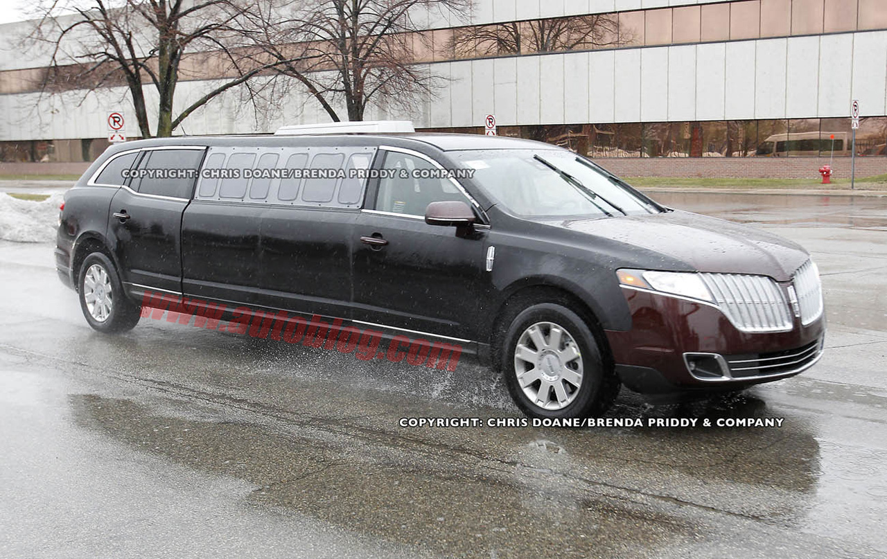 Lincoln MKT Stretch Limo: Spy Shots Photo Gallery - Autoblog