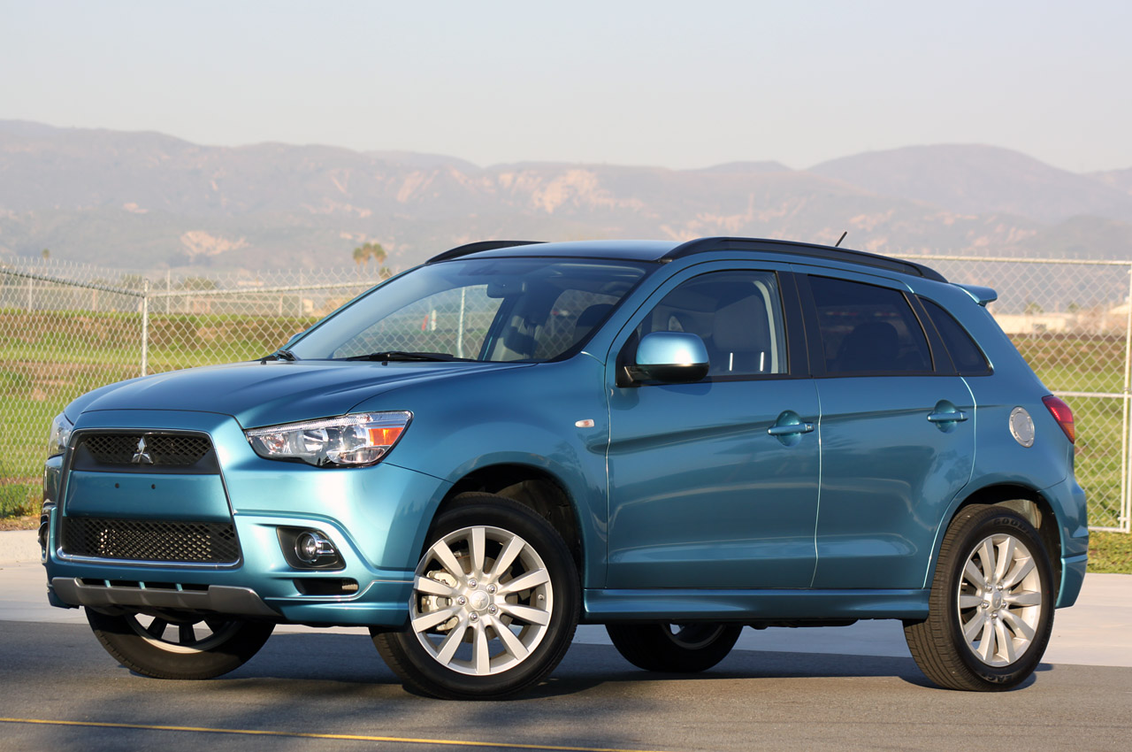 Mitsubishi recalling 2011 Outlander Sport over panoramic ...