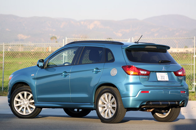 2011 Mitsubishi Outlander Sport rear 3/4 view
