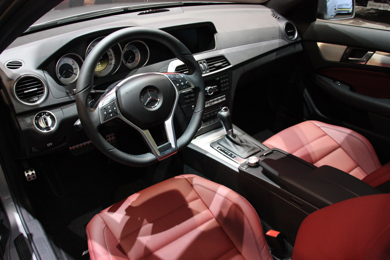 2011 mercedes classe c coup w204 page 9 for Interieur w204
