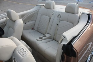2011 Nissan Murano CrossCabriolet rear seats