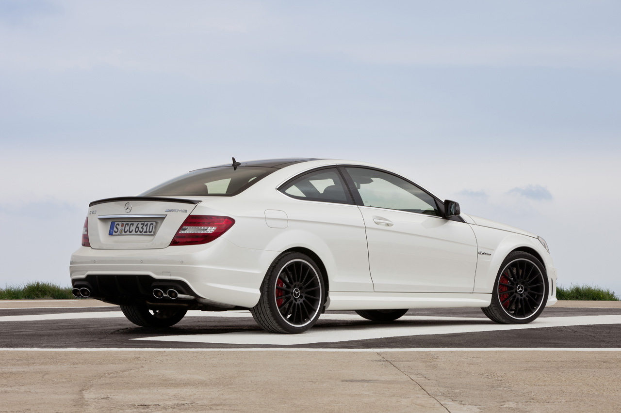 mercedes to keep c63 amg coupe around through early 2015 autoblog. Black Bedroom Furniture Sets. Home Design Ideas