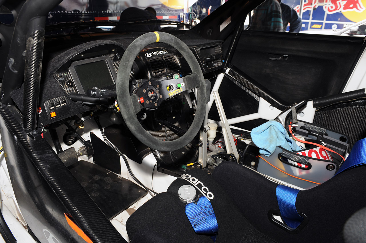 hyundai veloster rally car photo gallery autoblog. Black Bedroom Furniture Sets. Home Design Ideas