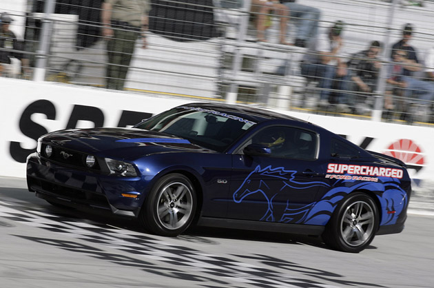 david ragan driving ford mustang gt