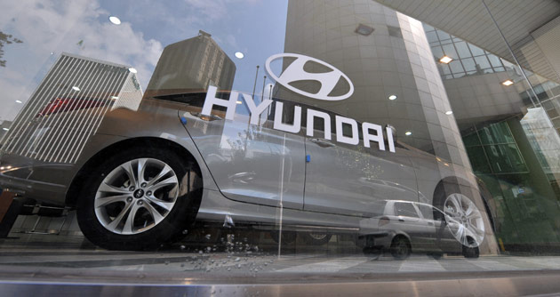 Hyundai dealership window