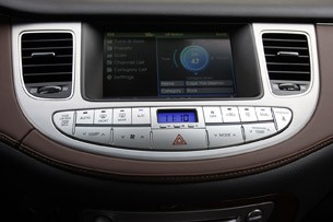 2011 Hyundai Genesis Sedan instrument panel