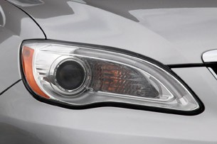 2011 Chrysler 200 Convertible headlight