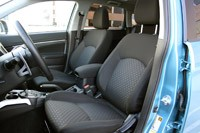 2011 Mitsubishi Outlander Sport SE AWC front seats