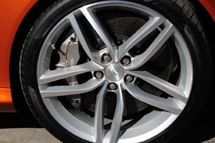 2012 Aston Martin Virage wheel