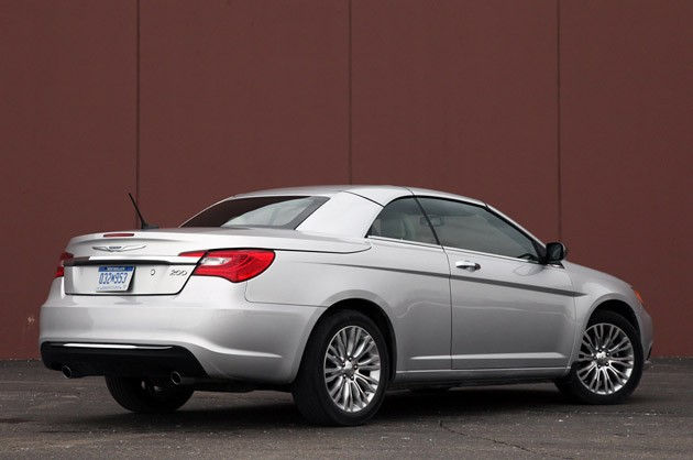 2011 Chrysler 200 Convertible rear 3/4 view