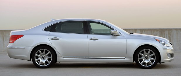 2011 Hyundai Equus Ultimate side view