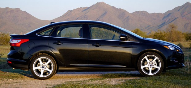 2012 Ford Focus Titanium side view