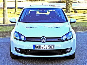 2014 Volkswagen Golf Blue-e-motion front view