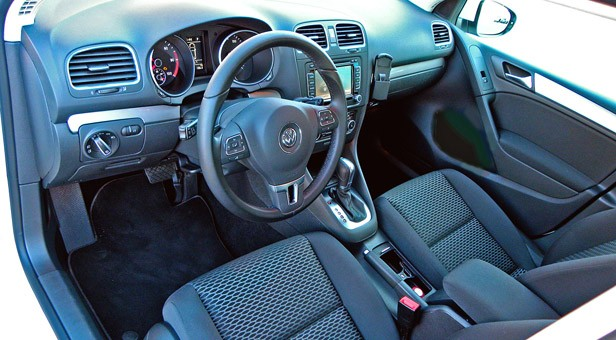 2014 Volkswagen Golf Blue-e-motion interior