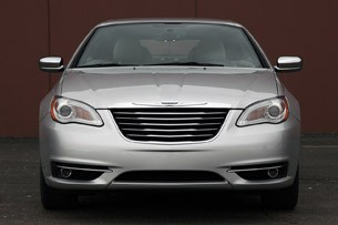 2011 Chrysler 200 Convertible front view