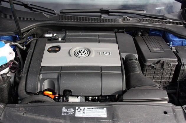 2012 Volkswagen Golf R engine