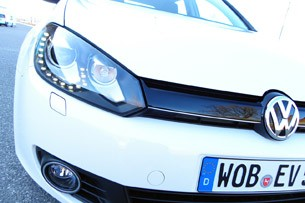 2014 Volkswagen Golf Blue-e-motion front detail