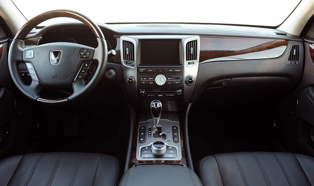 2011 Hyundai Equus Ultimate interior