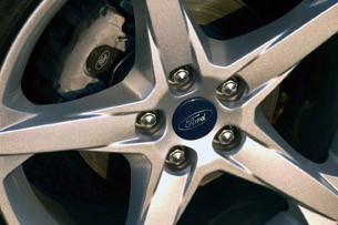 2012 Ford Focus Titanium wheel detail