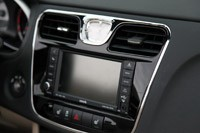 2011 Chrysler 200 Convertible instrument panel