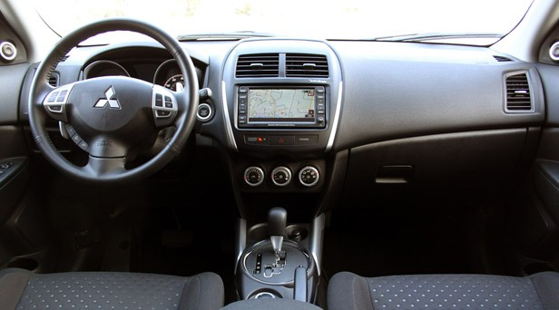 2011 Mitsubishi Outlander Sport SE AWC interior