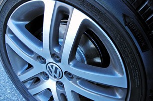 2014 Volkswagen Golf Blue-e-motion wheel