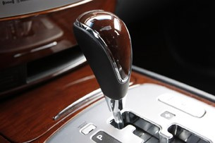 2011 Hyundai Genesis Sedan shifter