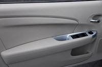 2011 Chrysler 200 Convertible door panel