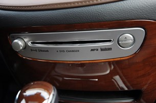 2011 Hyundai Genesis Sedan 6 DVD changer
