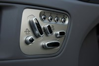 2011 Jaguar XKR Convertible seat controls