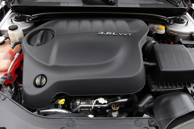 2011 Chrysler 200 Convertible engine