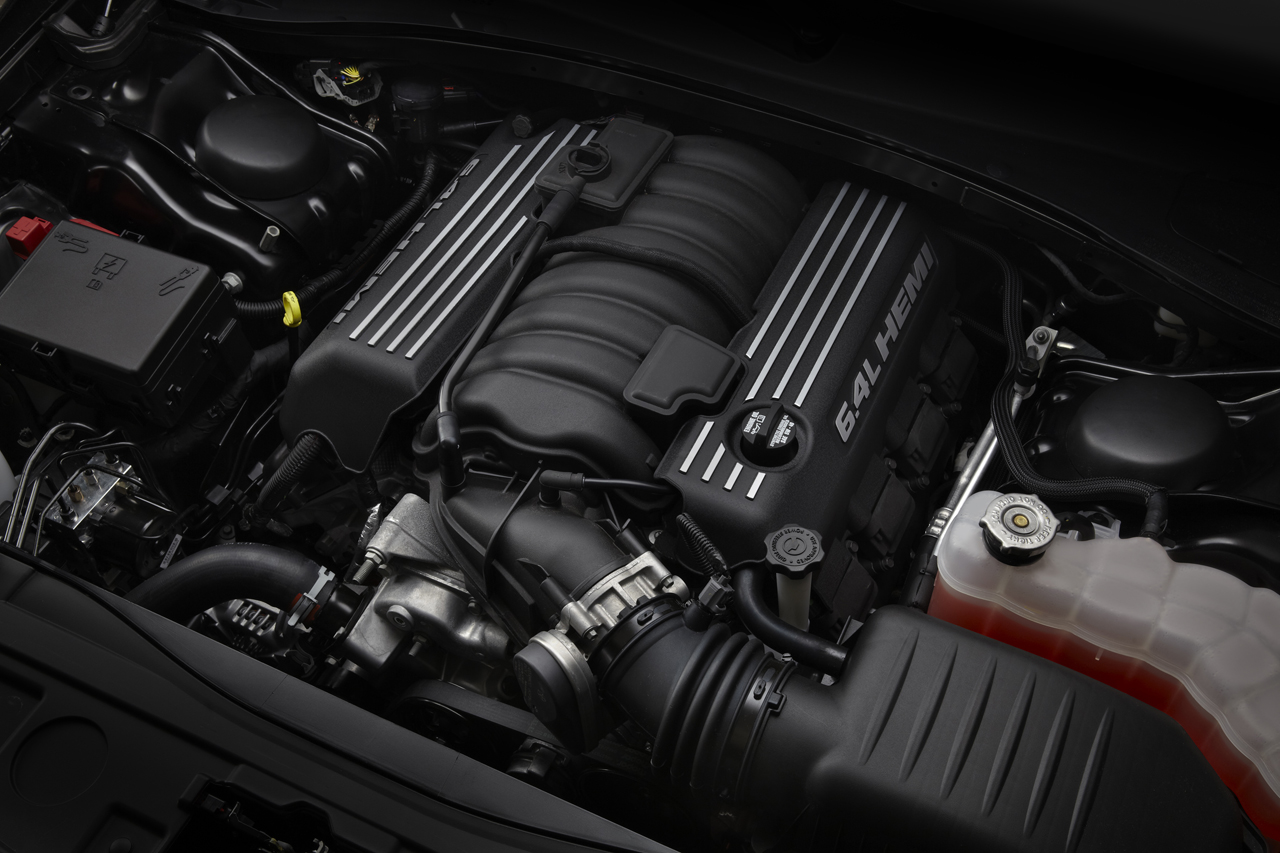 Chrysler brand expands 300 lineup with new 2012 srt8 hemi