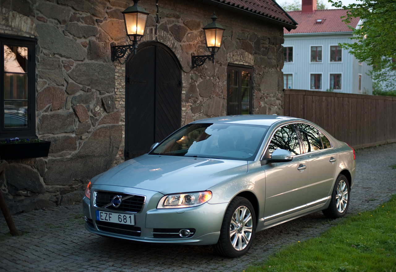 Volvo recalls 2011-2013 S80 sedans over transmission software - Autoblog