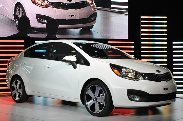 new york 2011 kia debuts all new 2012 rio with start stop. Black Bedroom Furniture Sets. Home Design Ideas