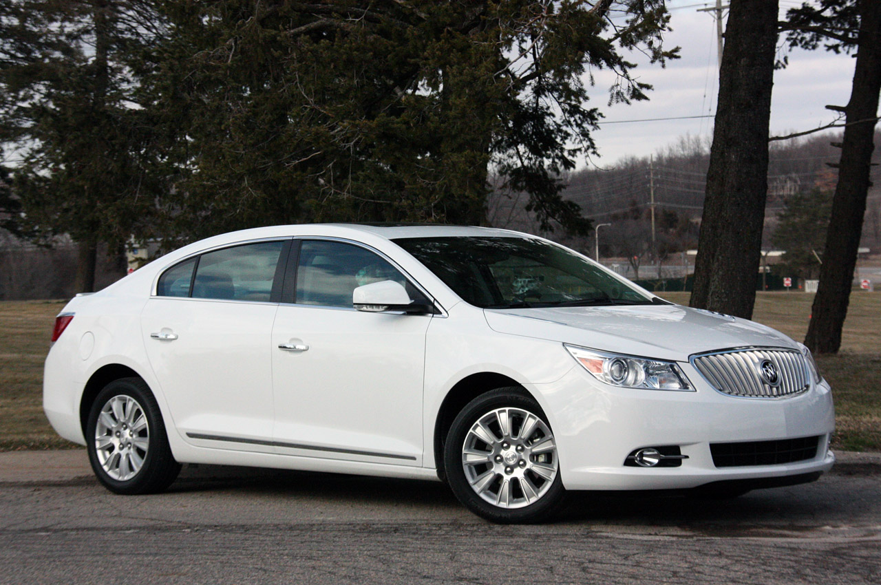 Buick Lacrosse With Eassist Priced From 29 960 Autoblog