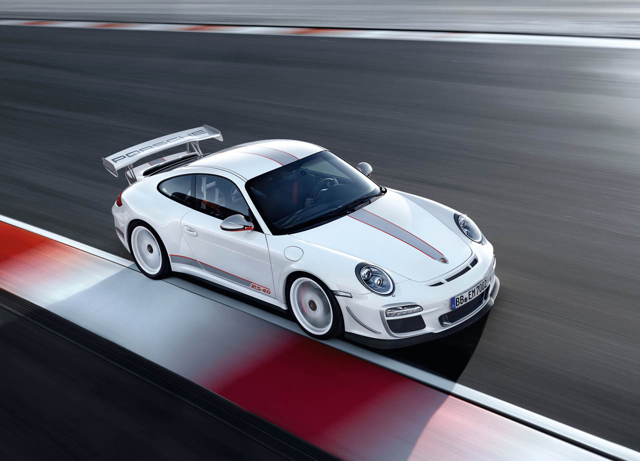 tiff needell hoons it up in the porsche 911 gt3 rs 4 0 autoblog. Black Bedroom Furniture Sets. Home Design Ideas