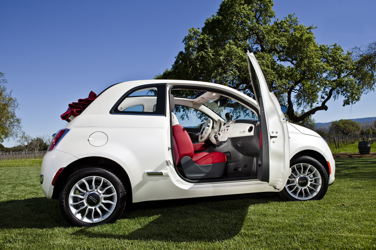 2012 fiat 500c photo gallery autoblog. Black Bedroom Furniture Sets. Home Design Ideas